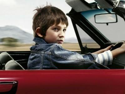 Езда несовершеннолетних без прав на автомобиле