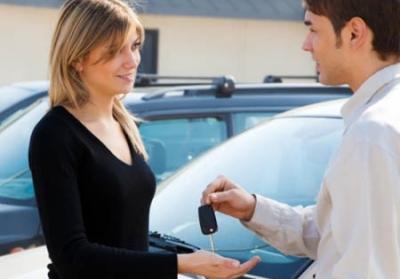 Иностранцы могут получить автокредит на территории РФ при наличии полного пакета требуемых документов