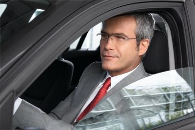 При нарушении зрения водительское удостоверение могут выдать с ограничением - разрешена езда только в очках