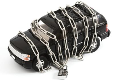 Страховой полис КАСКО, в отличие от ОСАГО, позволяет застраховать авто от угона