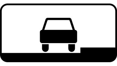 Табличка 8.6.1 показывает около тротуарную стоянку, на которой парковка разрешена