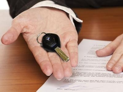 Кто платит транспортный налог при продаже или передаче автомобиля в наследство?